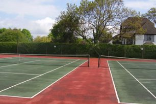 Hedge Trimming At Thame Tennis Club